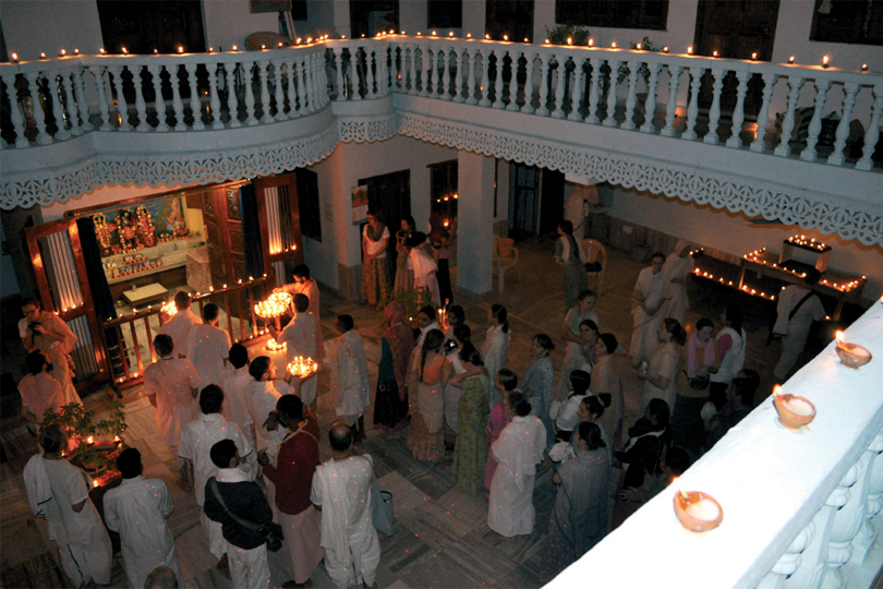 hindistanin-kutsanmis-ayi-kartik-dolunayi-4