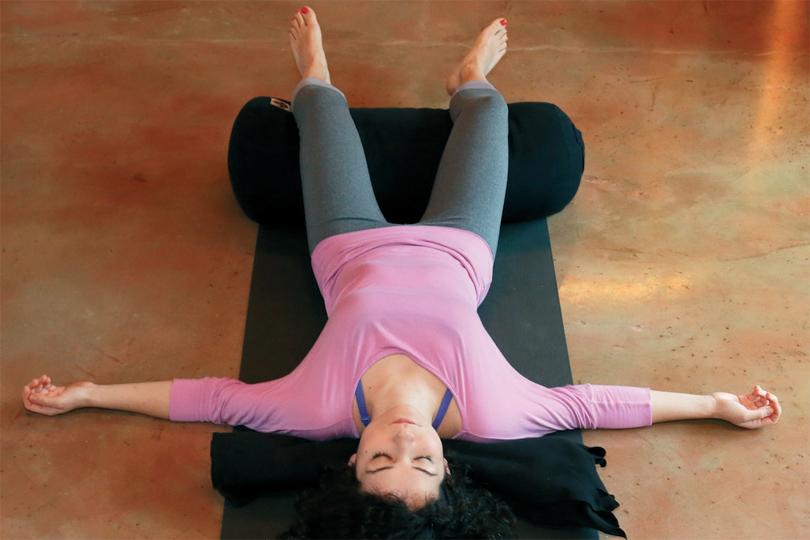 restoratif-yoga-ile-kis-terapisi-3