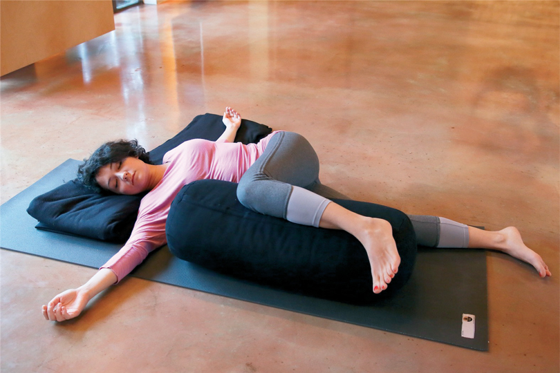 restoratif-yoga-ile-kis-terapisi-6