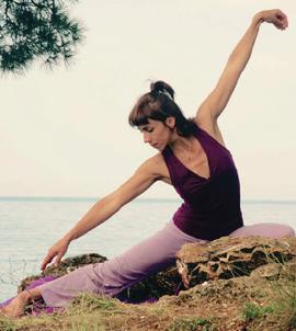 Defne Suman Yoga Eğitmeni-Yazar